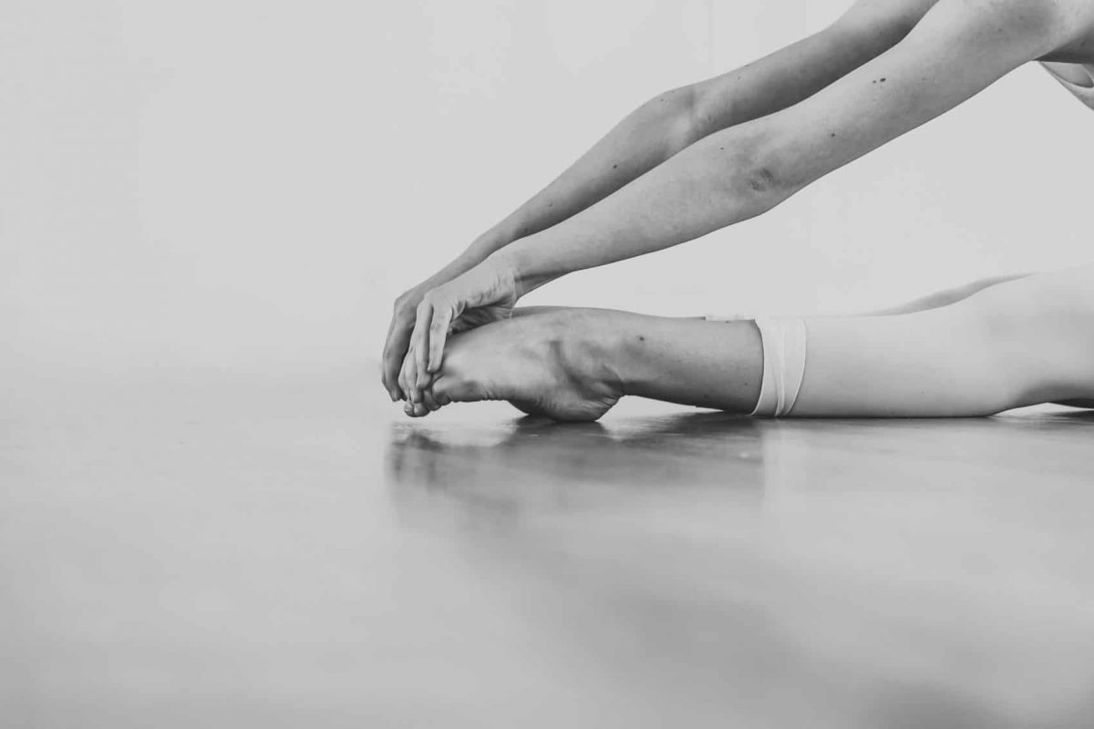 Black,And,White,Wallpaper,Faceless,Ballet,Dancer,Warming,Up,In
